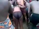Native African Woman Fucking a Boy While Crowd Is Cheering and Taping
