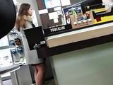 Petite pute insouciante fais les courses